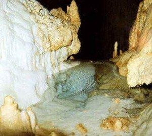 Grotte di Frasassi - Laghetto Smeraldo